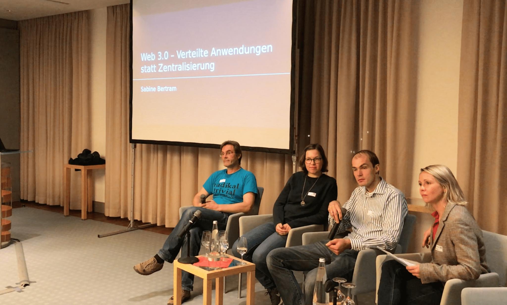 Panel des DMW-Themenabends, Moderation Nadine Bütow