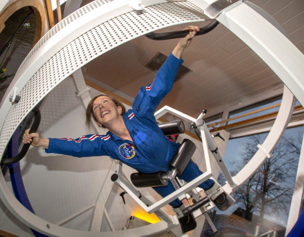 Suzanna Randall, die vielleicht erste deutsche Astronautin, beim Astronautinnen-Training