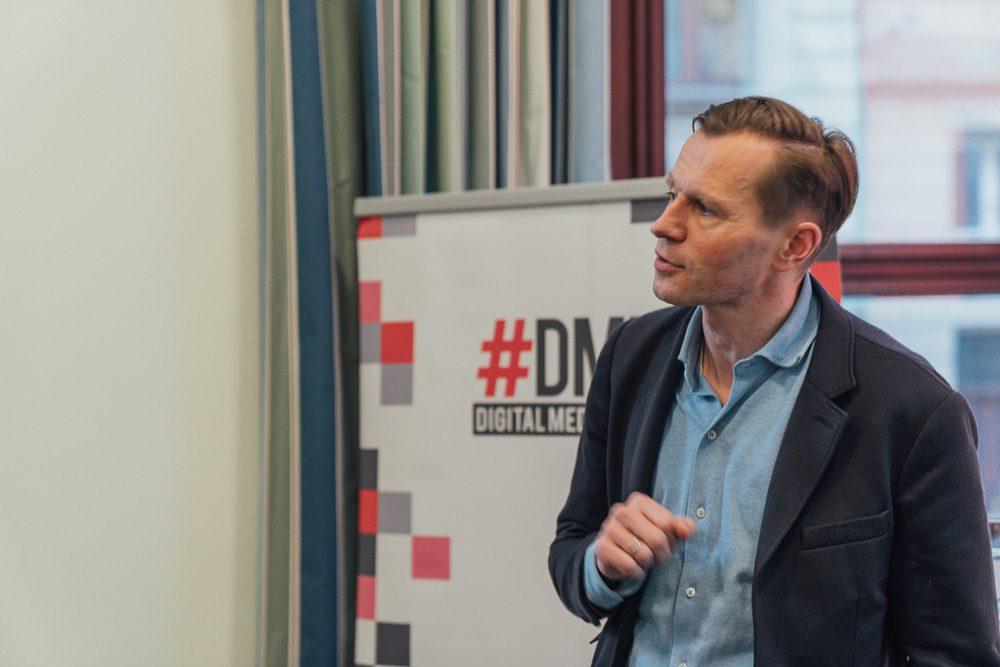 """Jan Kühne, M.M. Warburg & Co Bank, bildet den Auftakt zum #DMW Panel """"Kümmert euch um eure Finanzen! Die Rente ist nicht sicher!"""""""