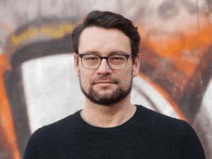 Porträt des Autoren und Medienwissenschaftlers Michael Seemann